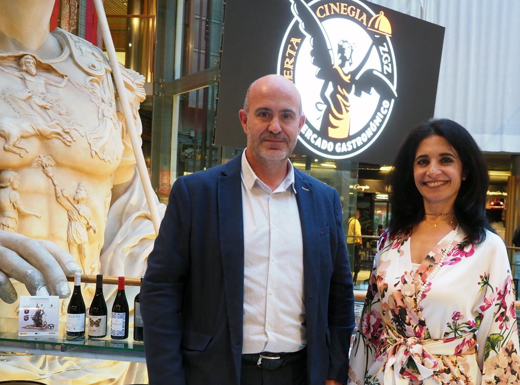 Mivhel Arenas (Presidente D.O. Calatayud) y Susana Munilla, directora de la cata, (Foto: Eduardo Bueso)